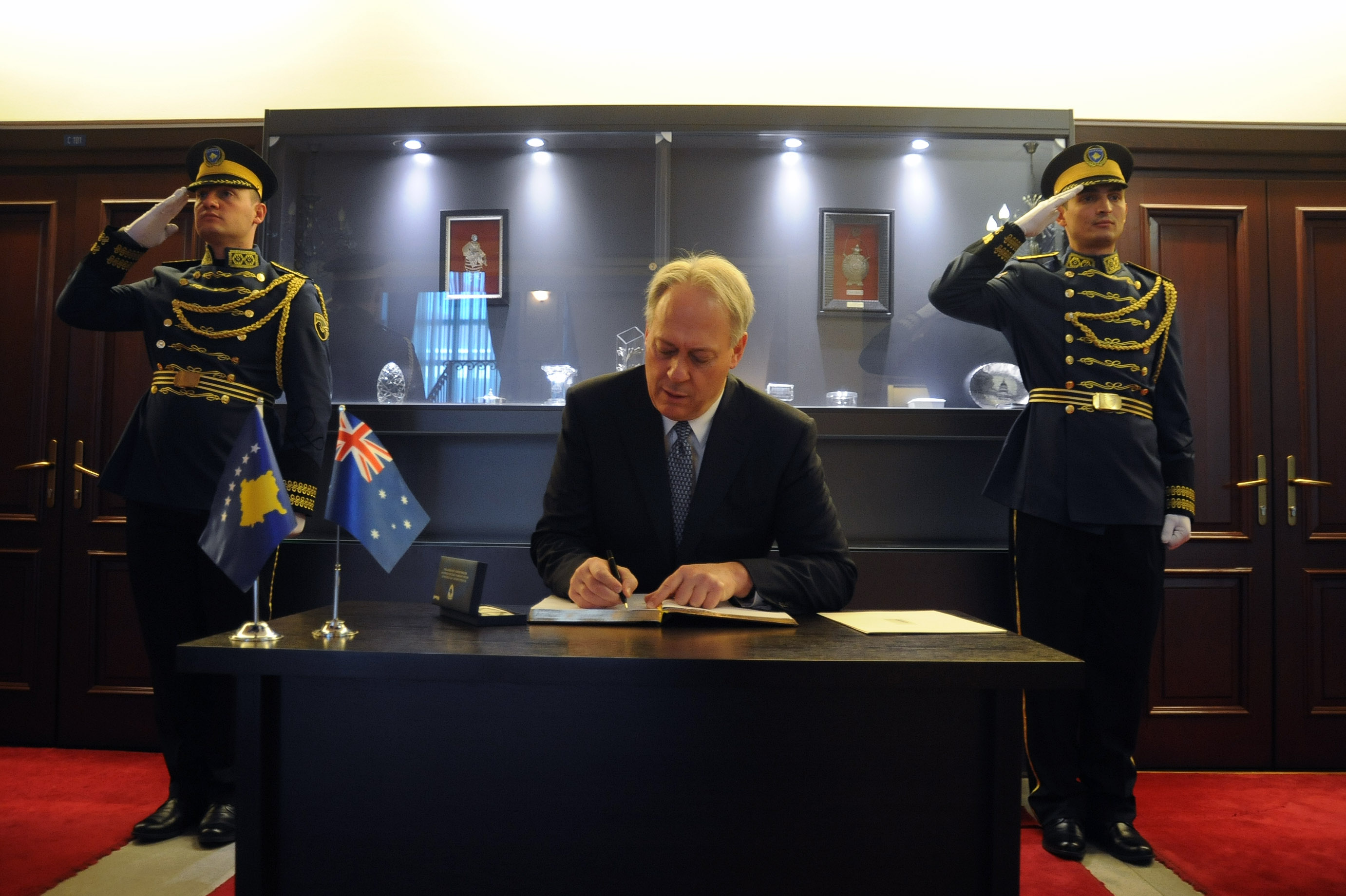Presidenti Thaçi pranoi letrat kredenciale të ambasadorit të ri të Australisë