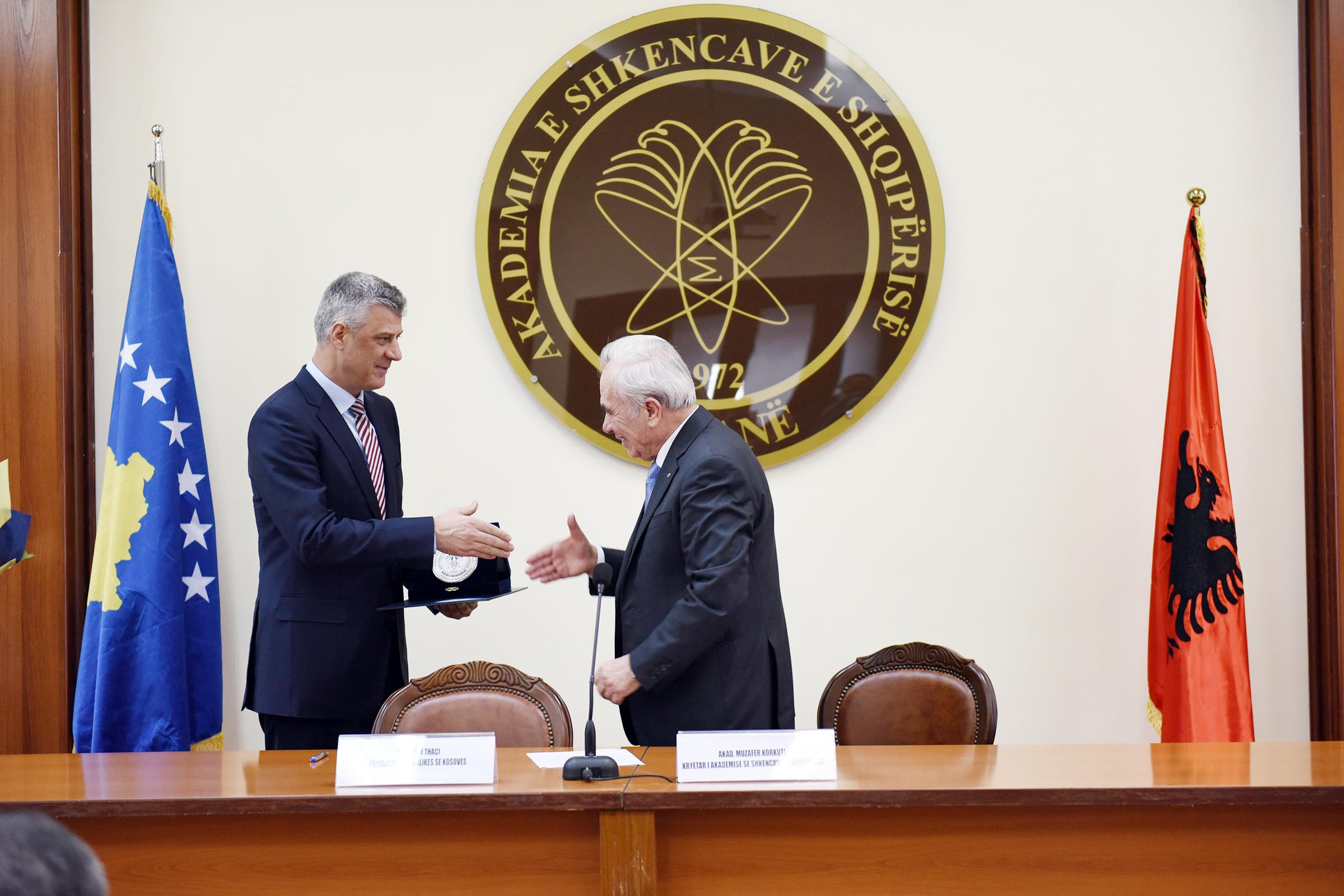 """President Thaçi is honored with the medal """"Honor of the Academy"""" by the Academy of Sciences of Albania"""
