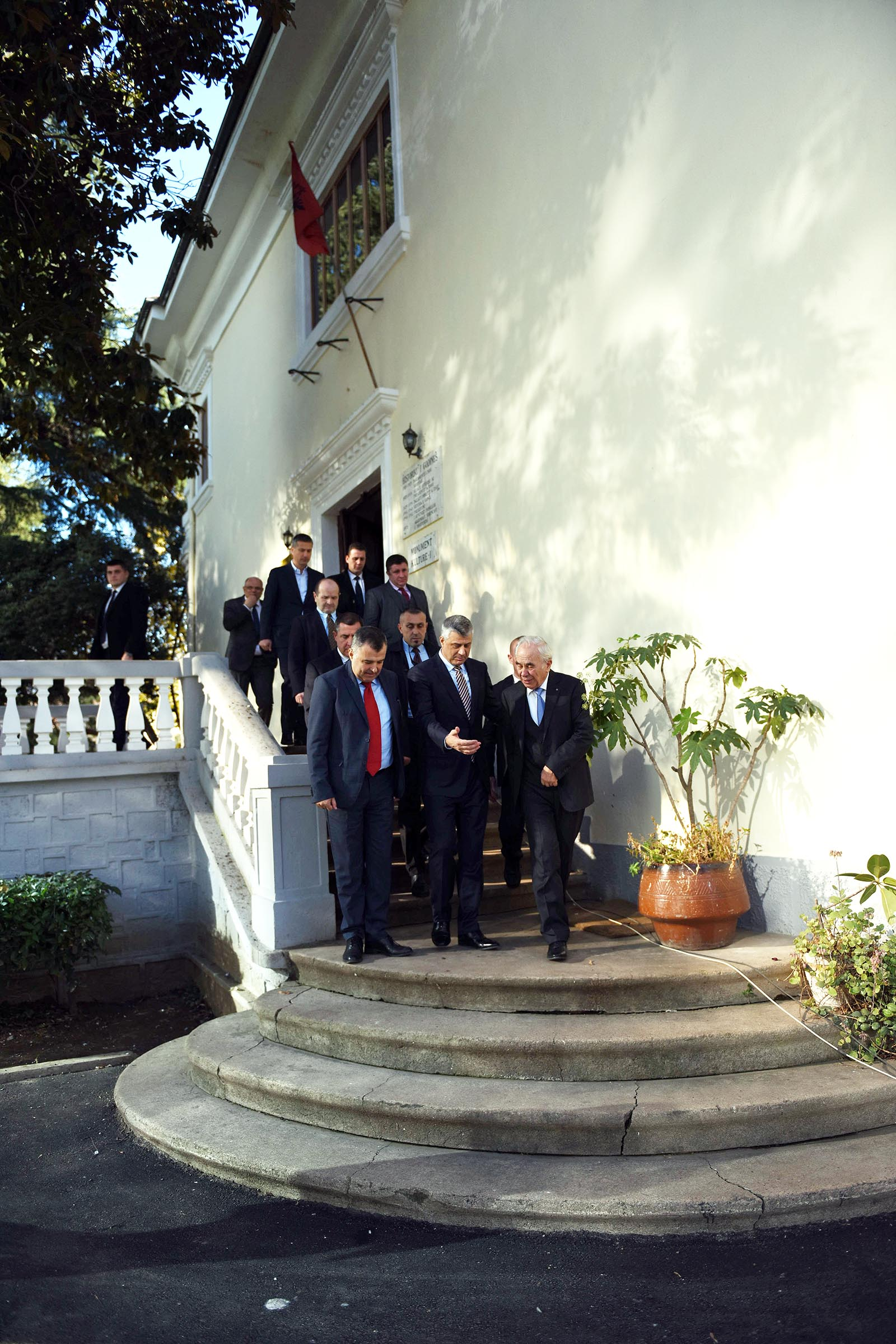 "President Thaçi is honored with the medal ""Honor of the Academy"" by the Academy of Sciences of Albania"