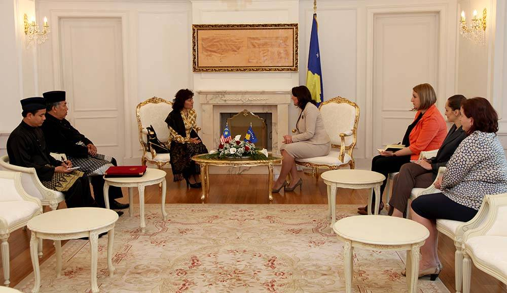 Ambassador Of Malaysia To Rome Also Accredited The Republic Kosovo On Non Residential Basis Who Presented Her Letter Credence