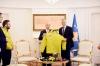 Presidenti Thaçi ia dorëzoi ekipit olimpik në mënyrë solemne Flamurin e Kosovës