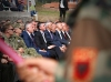 """Presidenti Thaçi ndau urdhrin """"Hero i Kosovës"""" për 158 dëshmorët e varrosur në Kompleksin Memorial në Marinë: UÇK-ja të pamundurën e"""