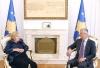 Presidenti Thaçi dekoroi shkrimtaren Elena Kadare me Medaljen Presidenciale të Meritave
