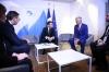 Me ndërmjetësim të Presidentit Macron, Presidenti Thaçi takohet me Presidentin e Serbisë