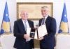 Presidenti Thaçi dekoron Loris Castriota Skanderbegun, Reto Nausen dhe Gjon Berishën