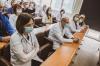 """Presidentja Osmani dhe ministri Vitia i uruan mirëseardhje mjekëve dhe stafit të organizatës amerikane """"Gift of Life"""""""