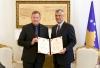 Presidenti Thaçi dekoroi drejtorin e GIZ-it me Medaljen Presidenciale Jubilare