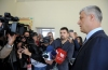 """Presidenti Thaçi votoi sot në vendvotimin në shkollën fillore """"Faik Konica"""" në Prishtinë"""