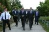 Presidenti Thaçi vizitoi Burgun e Dubravës në përkujtim të masakrës së kryer nga forcat serbe