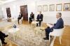 Presidenti Thaçi priti ambasadorët e Kuintit dhe atë të BE-së